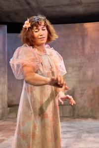 Louise Bonde, vidunderbarn med sans for magi (foto Rico Feldfoss)